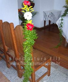 Arranjinho para decoração em cadeiras