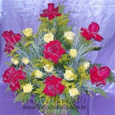 Arranjo de Rosas Colombianas com Rosas Nacionais